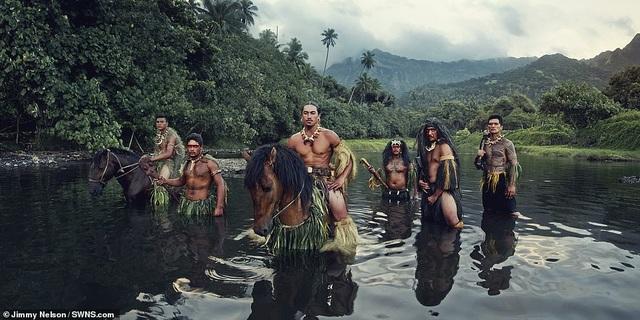 Hé lộ cuộc sống của bộ lạc biệt lập nhất với nền văn minh nhân loại - 6