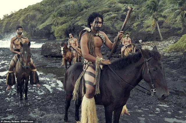 Hé lộ cuộc sống của bộ lạc biệt lập nhất với nền văn minh nhân loại - 7