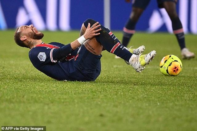 Neymar thở phào sau chấn thương, gửi lời thách đấu Messi - 1
