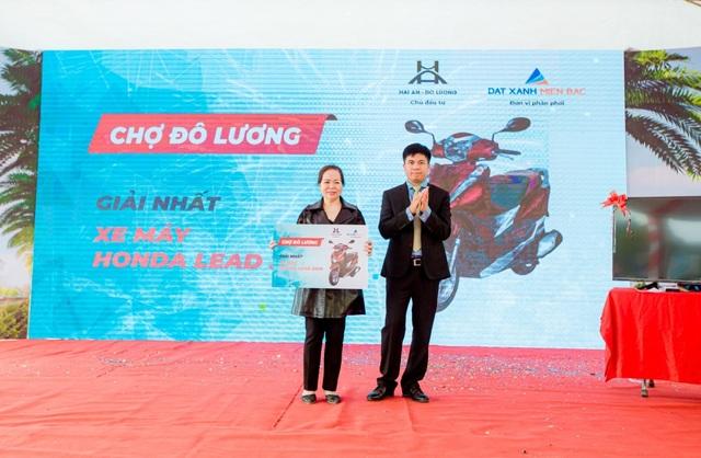 TTTM kết hợp chợ truyền thống Đô Lương chính thức cất nóc - 3