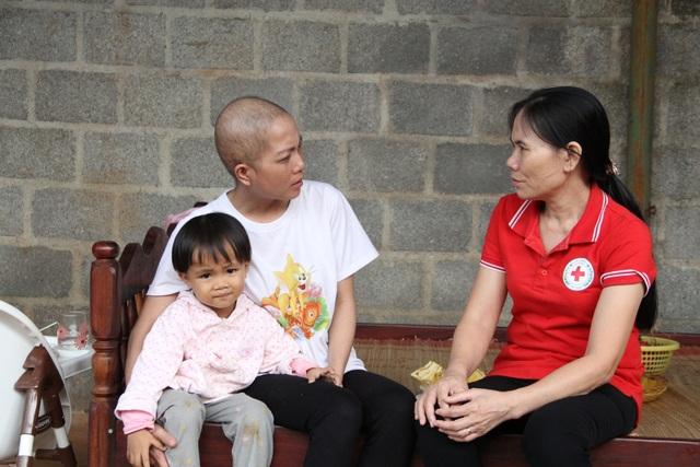 Cô giáo mắc ung thư: Tôi đến viện bằng sự yêu thương của mọi người - 3