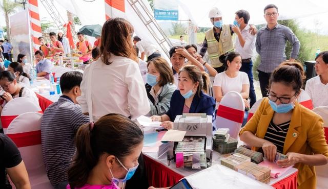 Bùng nổ giao dịch tại lễ cất nóc nhà phố thương mại Ha Tien Centroria - 6