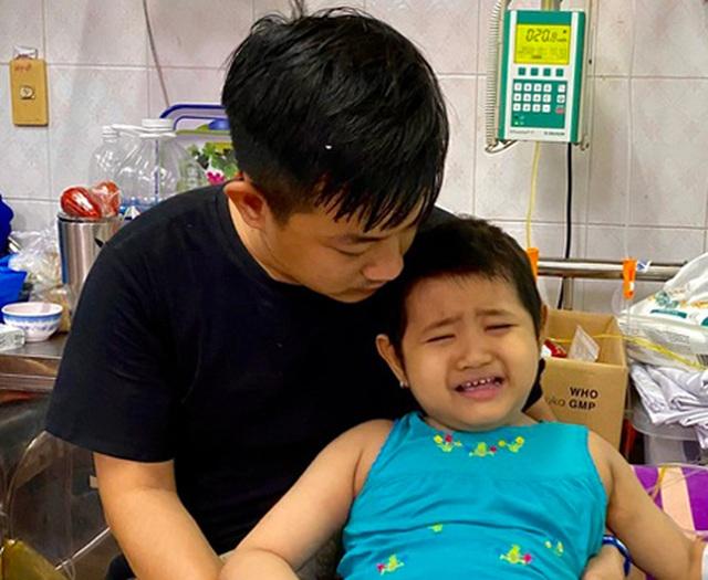 Xót thương bé gái 6 tuổi lần thứ 2 đối mặt tử thần vì bệnh hiểm - 8