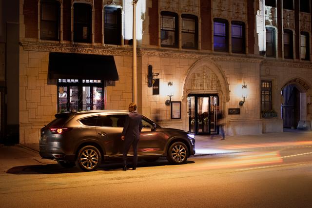 Vì sao Mazda CX-8 bán tốt nhất phân khúc SUV 7 chỗ máy xăng? - 1