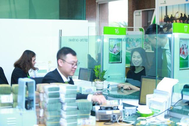 Ông lớn Vietcombank công bố giảm tiếp lãi suất cho vay VND - 1