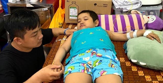Xót thương bé gái 6 tuổi lần thứ 2 đối mặt tử thần vì bệnh hiểm - 4