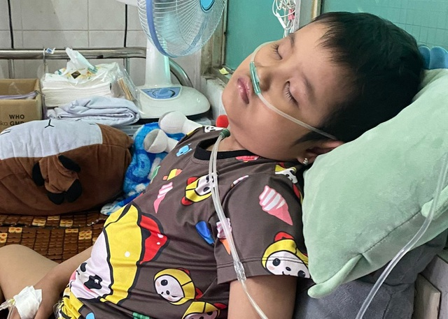 Xót thương bé gái 6 tuổi lần thứ 2 đối mặt tử thần vì bệnh hiểm - 5
