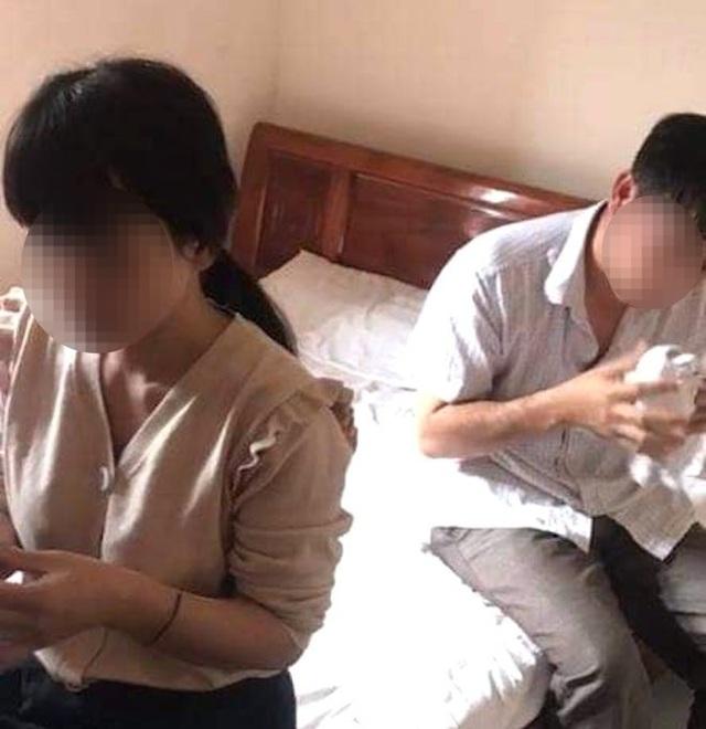 Chủ tịch MTTQ xã ở cùng nhà nghỉ với phụ nữ có chồng để trao đổi tài liệu? - 1