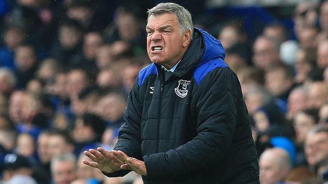 Huấn luyện viên đầu tiên bị sa thải ở Premier League - 2