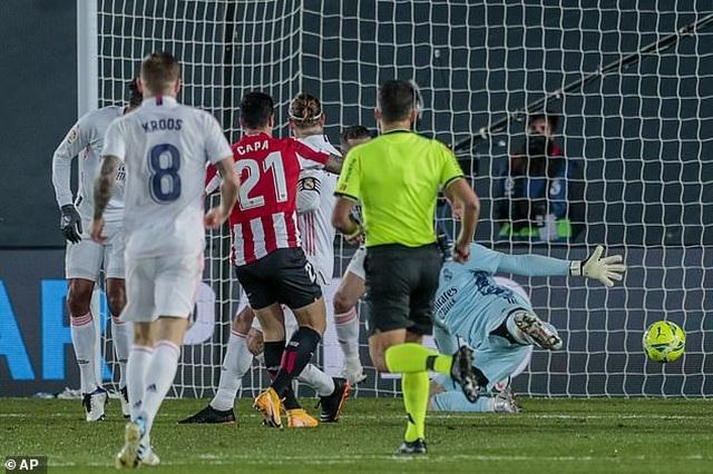 Real Madrid 3-1 Bilbao: Kroos, Benzema tỏa sáng - 7
