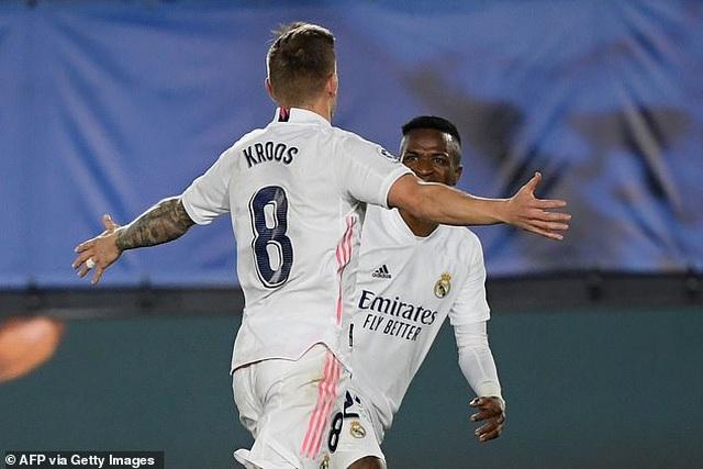 Real Madrid 3-1 Bilbao: Kroos, Benzema tỏa sáng - 4