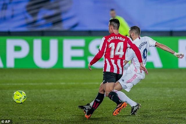 Real Madrid 3-1 Bilbao: Kroos, Benzema tỏa sáng - 12