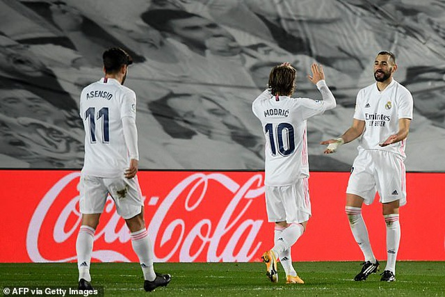 Real Madrid 3-1 Bilbao: Kroos, Benzema tỏa sáng - 15