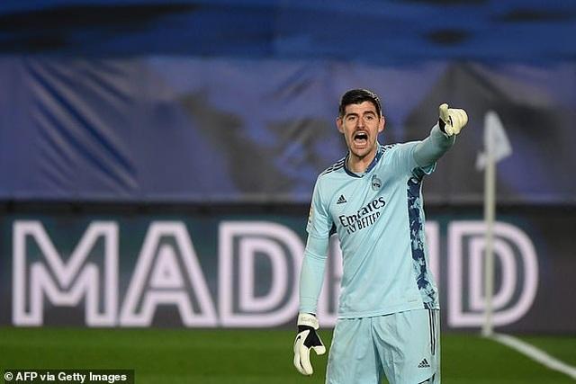 Real Madrid 3-1 Bilbao: Kroos, Benzema tỏa sáng - 2