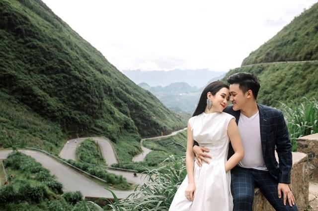 Cặp đôi 9X đi xuyên Việt chụp bộ ảnh cưới để đời - 1