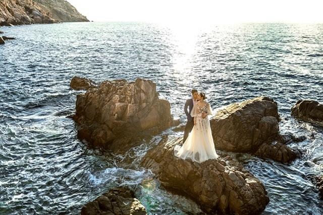 Cặp đôi 9X đi xuyên Việt chụp bộ ảnh cưới để đời - 5