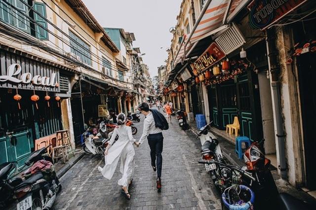 Cặp đôi 9X đi xuyên Việt chụp bộ ảnh cưới để đời - 6