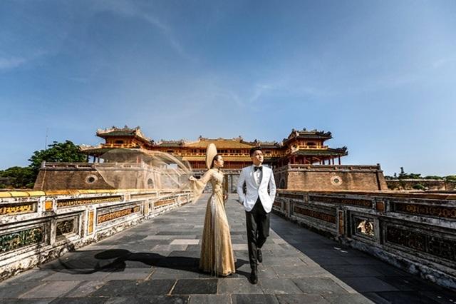 Cặp đôi 9X đi xuyên Việt chụp bộ ảnh cưới để đời - 8