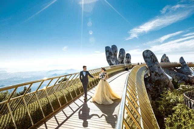 Cặp đôi 9X đi xuyên Việt chụp bộ ảnh cưới để đời - 9