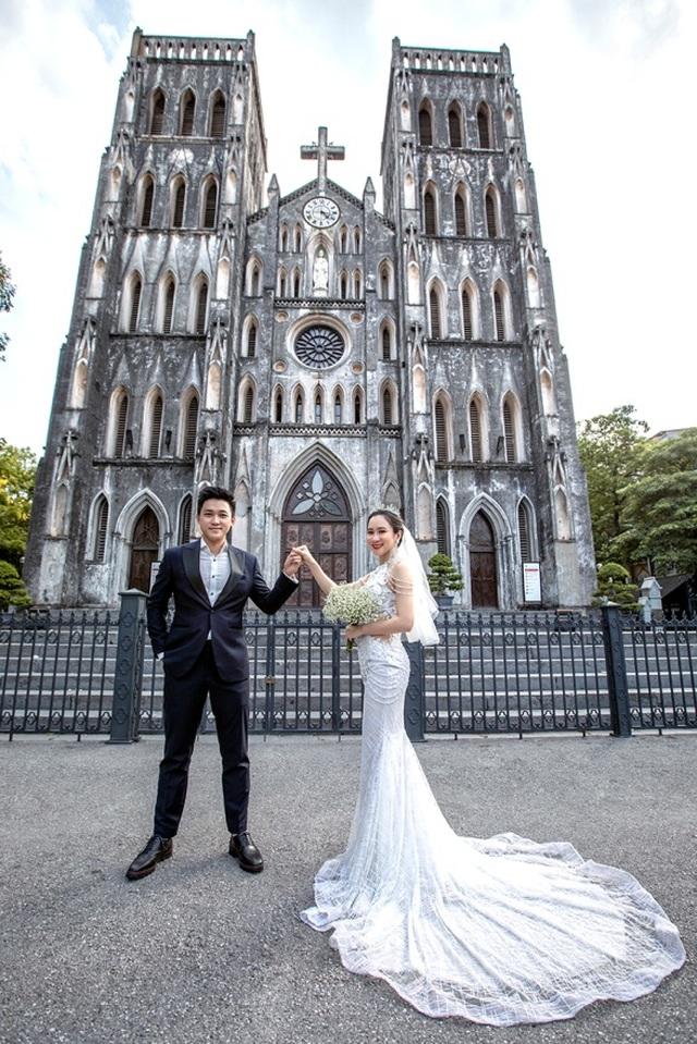 Cặp đôi 9X đi xuyên Việt chụp bộ ảnh cưới để đời - 11