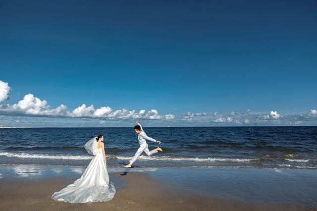 Cặp đôi 9X đi xuyên Việt chụp bộ ảnh cưới để đời - 12