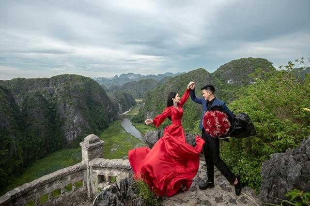 Cặp đôi 9X đi xuyên Việt chụp bộ ảnh cưới để đời - 15