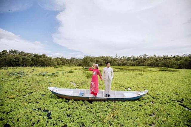 Cặp đôi 9X đi xuyên Việt chụp bộ ảnh cưới để đời - 17
