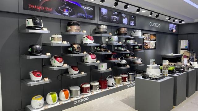 Mua hàng chính hãng và hưởng hậu mãi tại showroom Cuckoo Hà Nội - 4