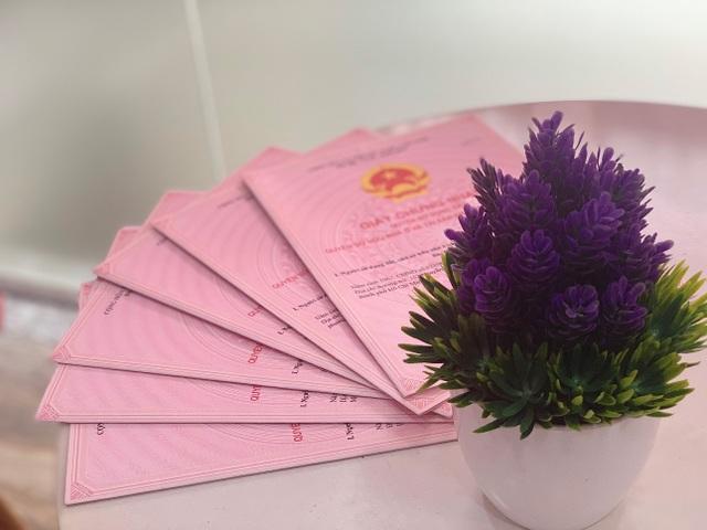 Công ty Khang Thịnh Phát giao hàng loạt sổ hồng tại các khu dân cư cho khách hàng - 5