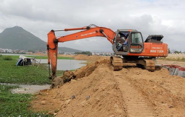 Vụ liên công trình gây ngập lụt: Người dân mỏi mòn chờ đợi tiền hỗ trợ - 3