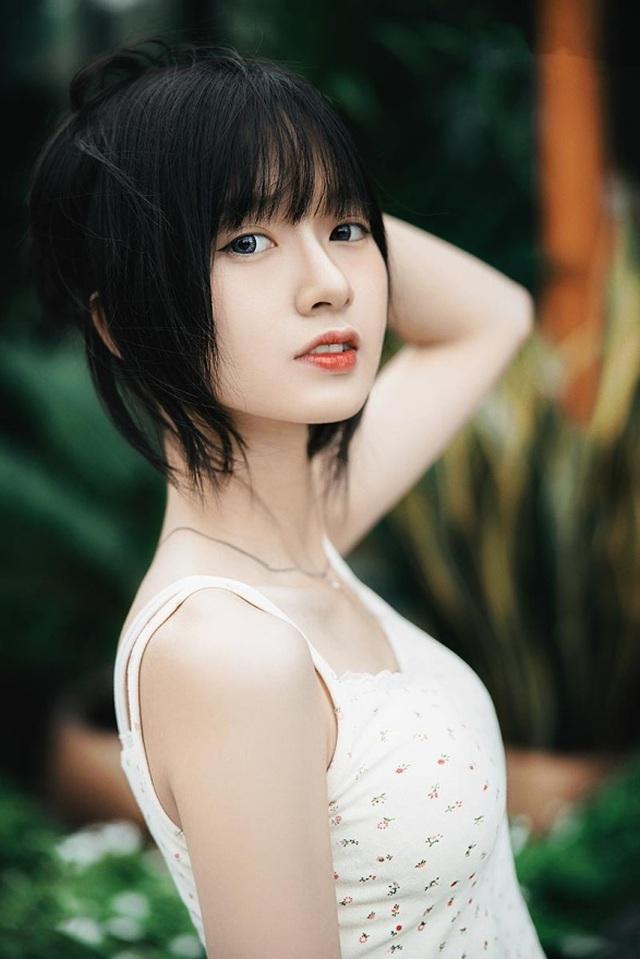 Ngắm dàn hot girl xinh đẹp nổi bật nhất năm 2020 (P.2) - 2