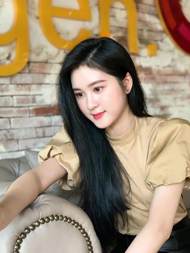 Ngắm dàn hot girl xinh đẹp nổi bật nhất năm 2020 (P.2) - 6