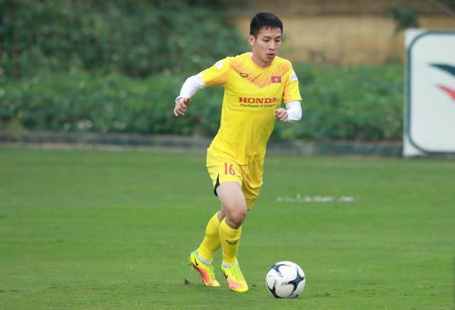 Đỗ Hùng Dũng tiết lộ bất ngờ về đội tuyển Việt Nam - 1