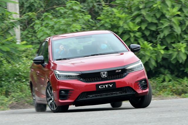 10 ô tô bán chạy nhất tháng 1/2021: Xpander lên ngôi, Accent vượt Vios - 2