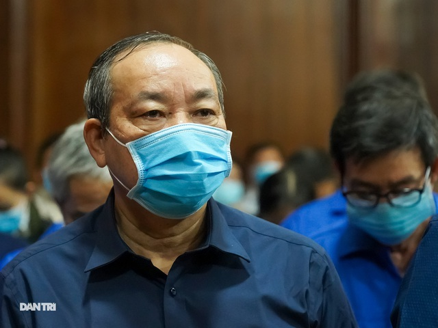 Cựu Thứ trưởng Nguyễn Hồng Trường: Bị cáo cảm thấy rất xót xa... - 1