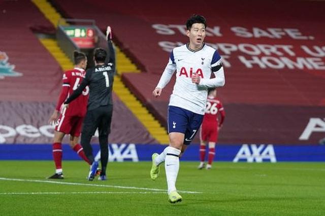 Liverpool 2-1 Tottenham: Bất ngờ xảy ra ở phút 90 - 5