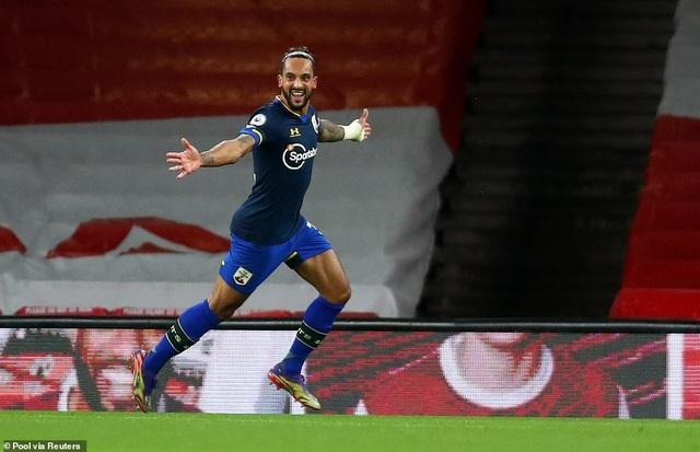 10 người Arsenal vất vả bảo vệ tỷ số hòa trước Southampton - 1