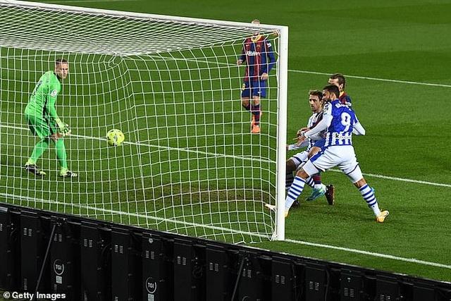 Messi im tiếng, Barcelona vẫn đánh bại đội đầu bảng Sociedad - 2