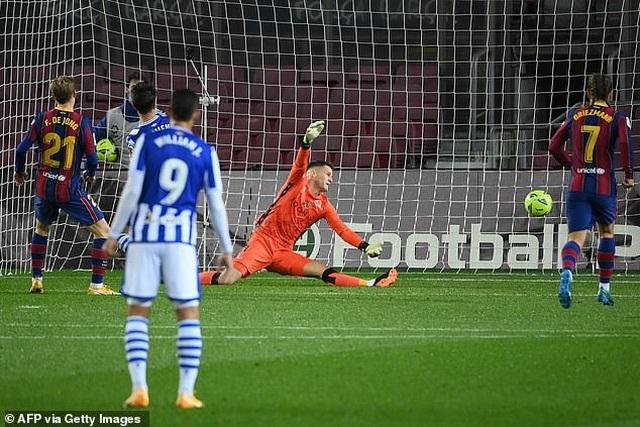 Messi im tiếng, Barcelona vẫn đánh bại đội đầu bảng Sociedad - 5
