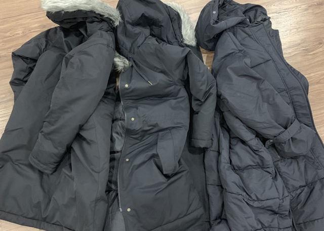 Ba ngày rét đậm bán hết bay 1.000 chiếc áo phao, thu về tiền tỷ - 1
