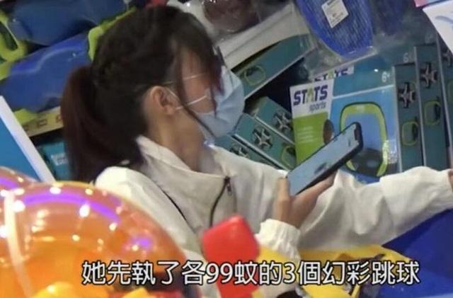 Trương Bá Chi đang hò hẹn với doanh nhân kém tuổi người Anh