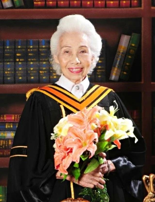Cụ bà Thái Lan tốt nghiệp đại học ở tuổi 88 - 2