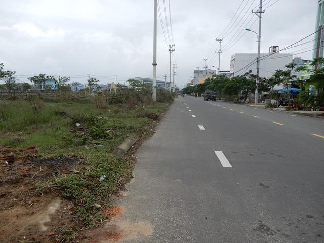 Đà Nẵng: Sau bão lũ và Covid-19, các sàn giao dịch bất động sản vắng tanh - 2