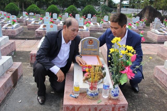 Nước mắt hạnh phúc khi tìm được phần mộ liệt sĩ sau 46 năm tìm kiếm - 4
