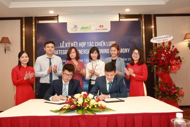 Jinko Solar và Long Tech ký thỏa thuận 100MW tấm năng lượng mặt trời - 5