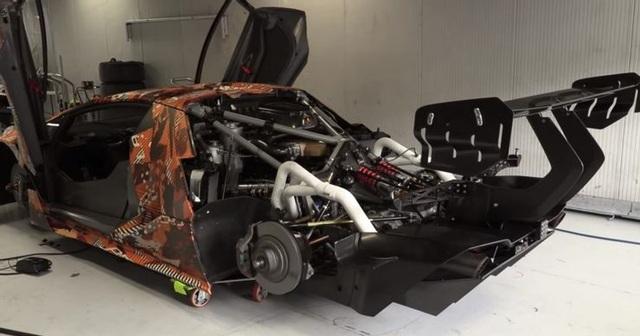 Điểm lại những động cơ ô tô khủng nhất - 5