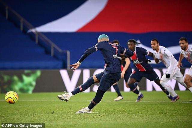 Mbappe tỏa sáng, PSG tìm lại cảm giác chiến thắng - 2