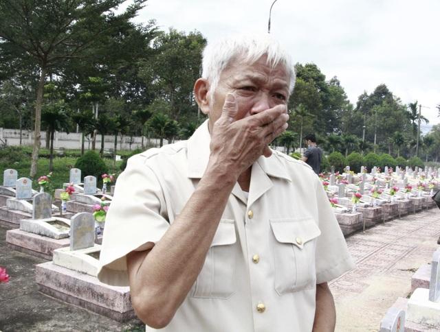 Nước mắt hạnh phúc khi tìm được phần mộ liệt sĩ sau 46 năm tìm kiếm - 3