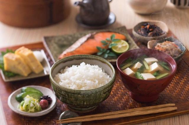 Chế độ ăn một canh ba món cực tốt cho sức khỏe của người Nhật - 1