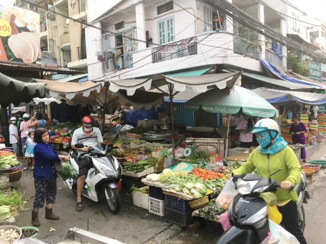 Tiểu thương chợ truyền thống sẽ bán thịt, cá, rau củ... qua ứng dụng - 2